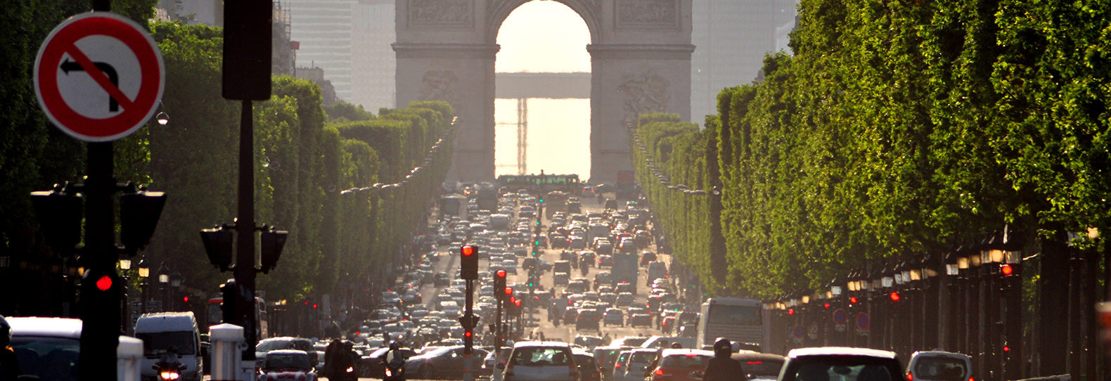 Paris-City-Traffic-Full-Width-Tall-1580x542